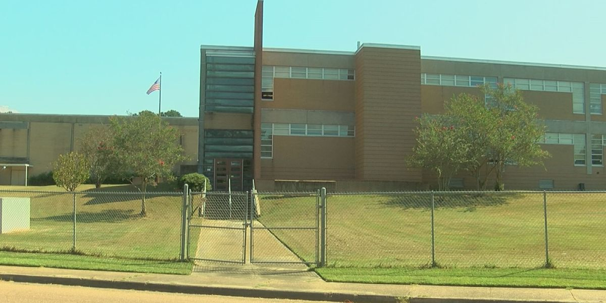 No air conditioning at Wingfield High concerns parent during near record heat