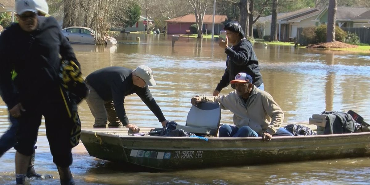 Rising water brings last-minute evacuations in Northeast Jackson