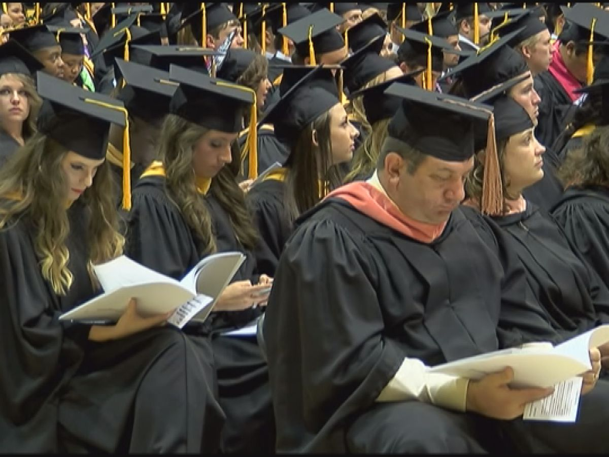 Some Mississippians 'struggling to keep up' with student loan debt