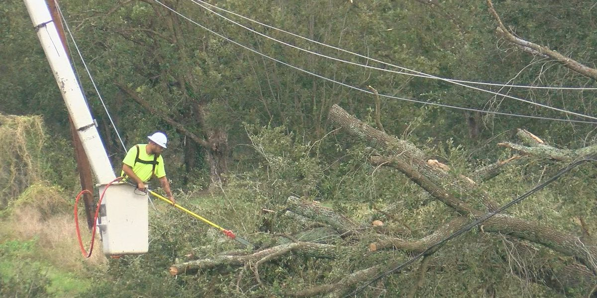 Mississippi Red Cross staffs hurricane-ravaged areas