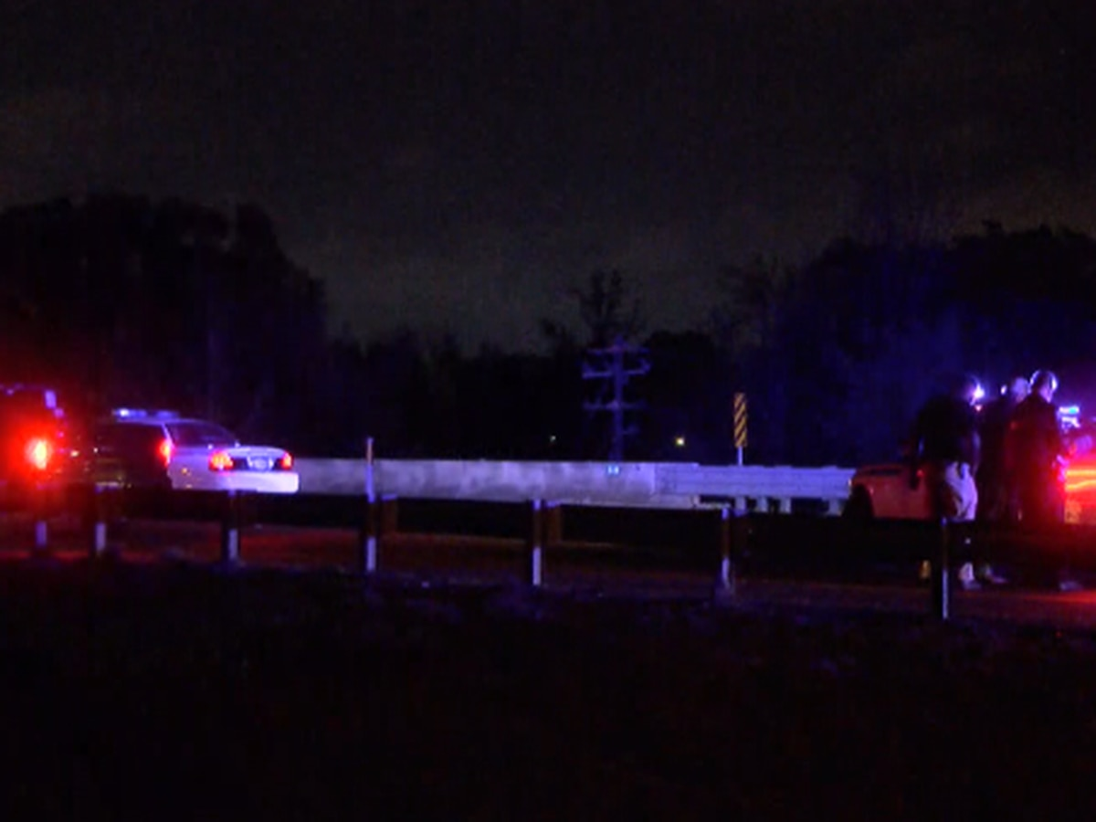 55-year-old man killed in crash on I-220 in Jackson
