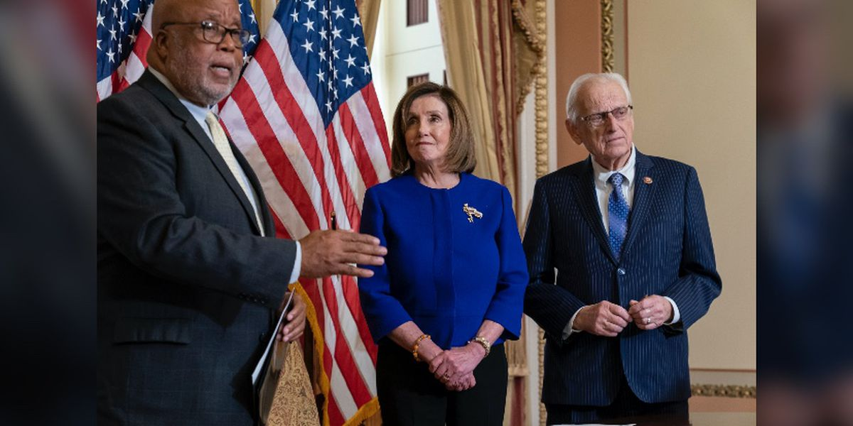 Pelosi gives shoutout to Rep. Thompson, calls him a 'pioneer' in health and education reform