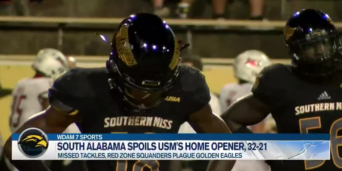 Underdog Jaguars take down Golden Eagles, 32-21