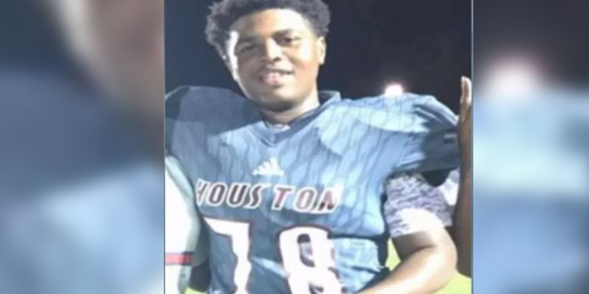 MS high school football player dies after falling ill during game