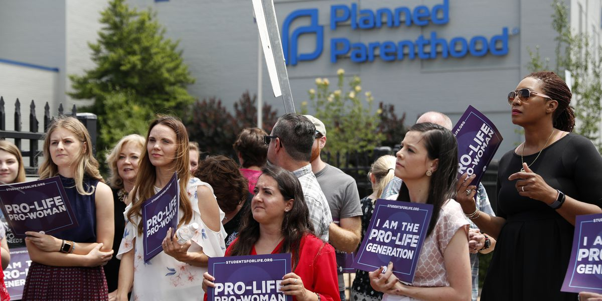 Order: Abortions can continue at Missouri's lone clinic