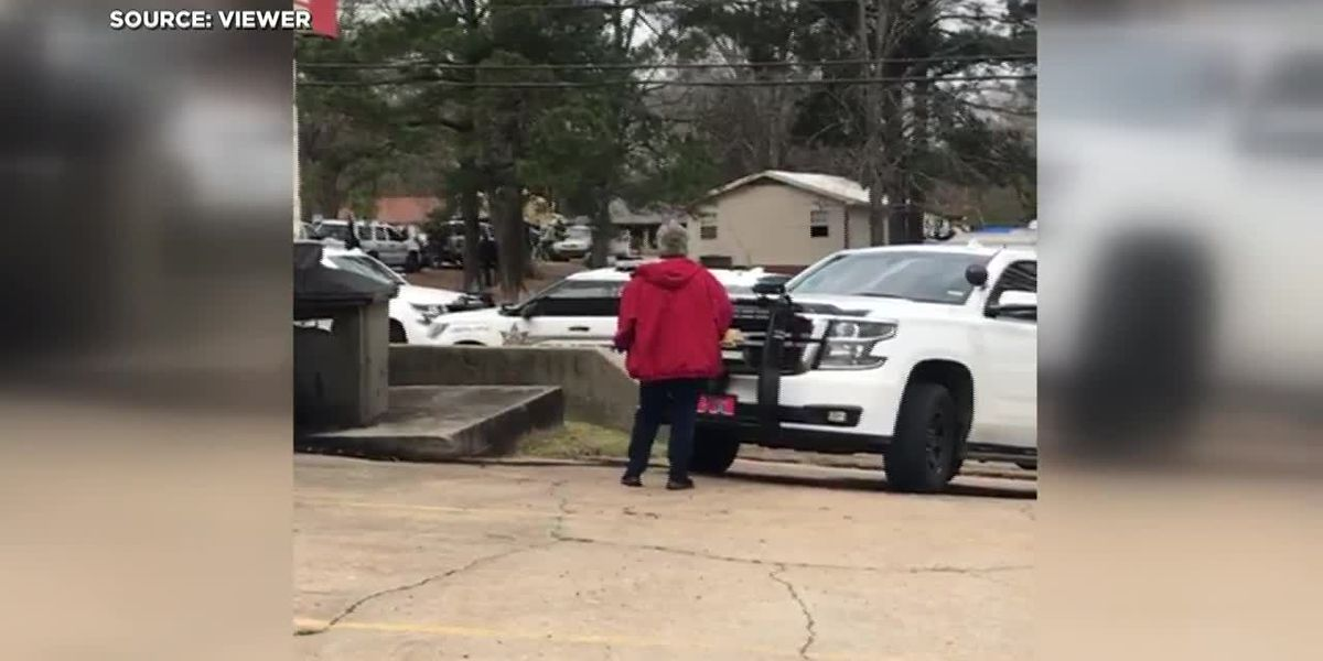 VIEWER VIDEO: Gunfire rains down during Pelahatchie standoff
