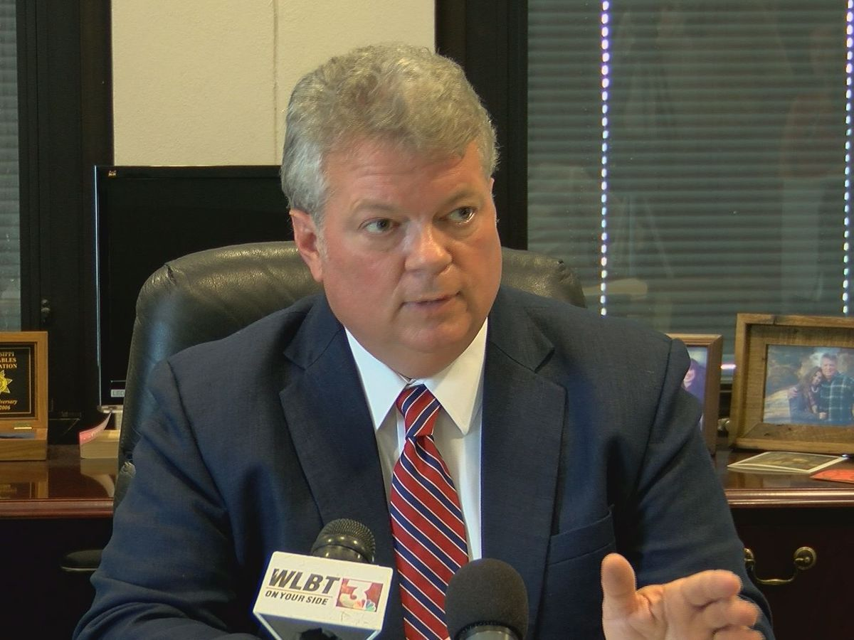 Hood calls for preschool, teacher pay, higher K-12 spending