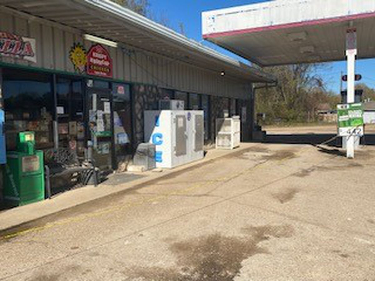 Employee killed in Calhoun City convenience store holdup
