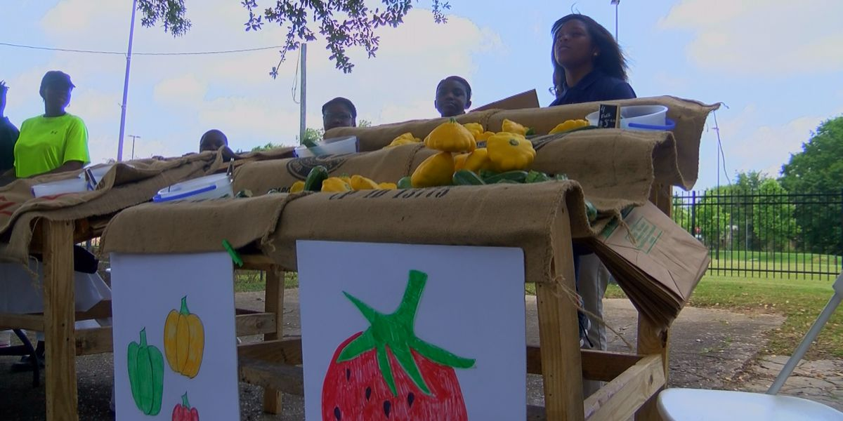 Blackburn Middle School students sell veggies to the community from student-led garden