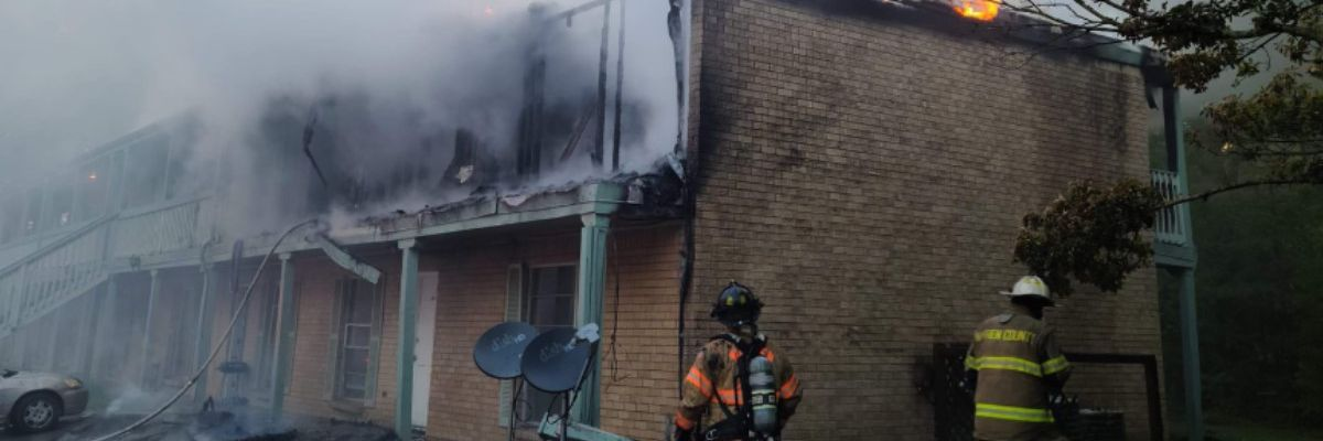 Fire breaks out at Vicksburg apartment