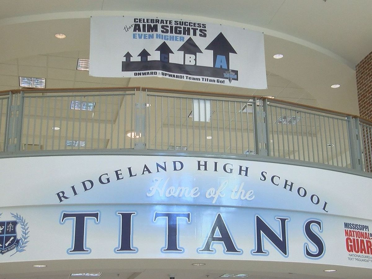 Ridgeland football game cancelled, team in quarantine after 3 test positive for virus