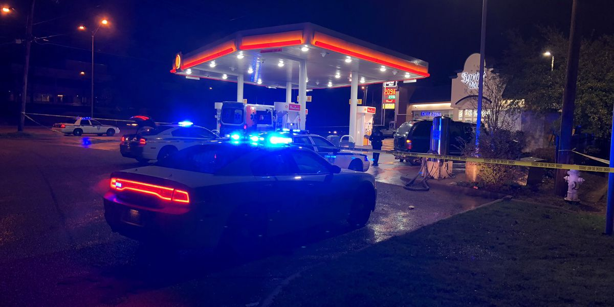 Man accidentally shoots himself in the leg at Jackson gas station