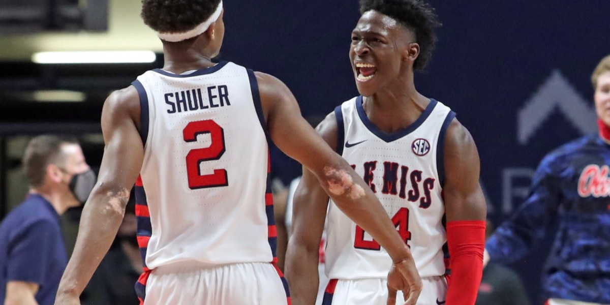 Defense again wins for Ole Miss