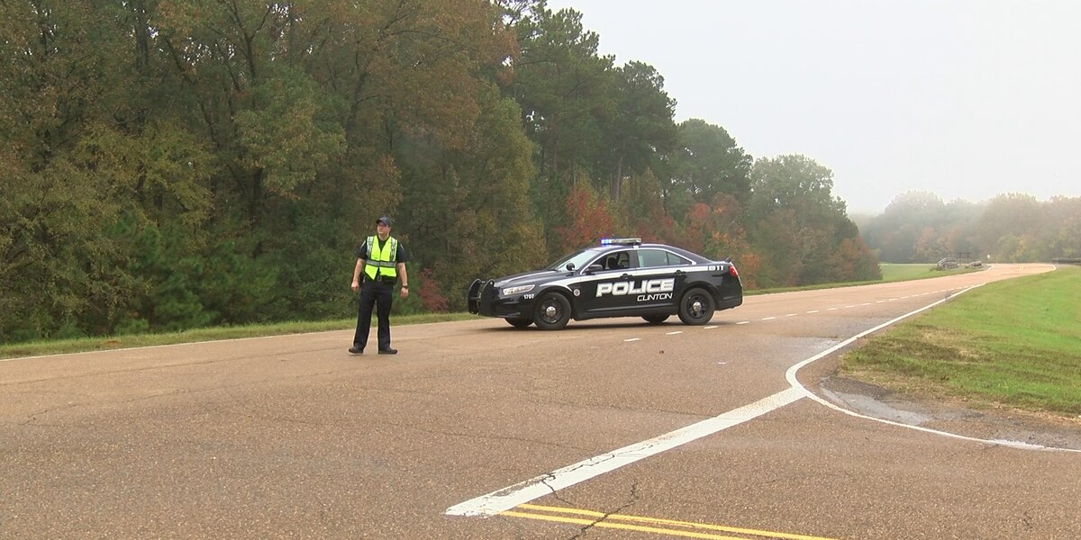 Person killed in multi-car crash on Natchez Trace Parkway