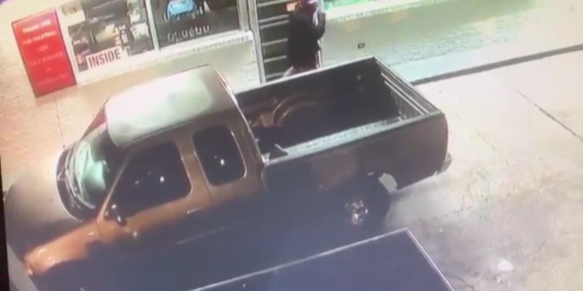JPD looking for convenience store burglary suspects seen in surveillance video
