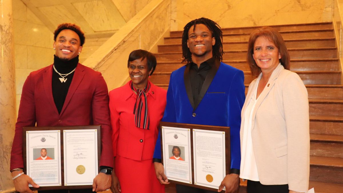 Two Super Bowl LIV champs from Mississippi honored by the state senate