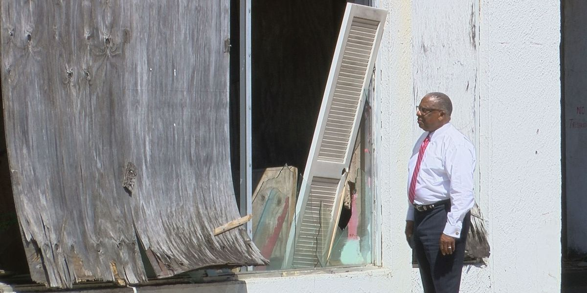 Vicksburg's mayor takes on blight in the city and warns commercial building owners to cleanup