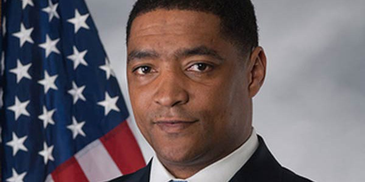 Rep. Cedric Richmond caught watching golf during impeachment hearing