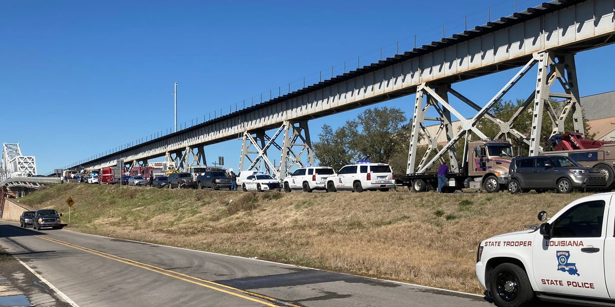 Addis man charged in 16-vehicle crash on old Miss. River Bridge that killed Plaquemine teen