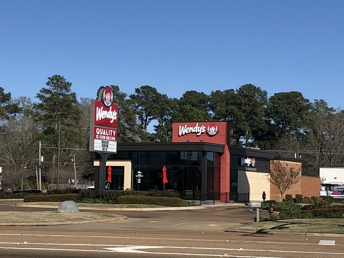 Wendy's worker traumatized after witnessing fatal stabbing in restaurant