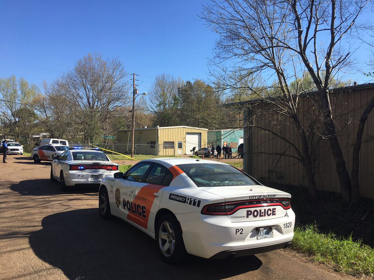 One dead, one critical after shooting in west Jackson