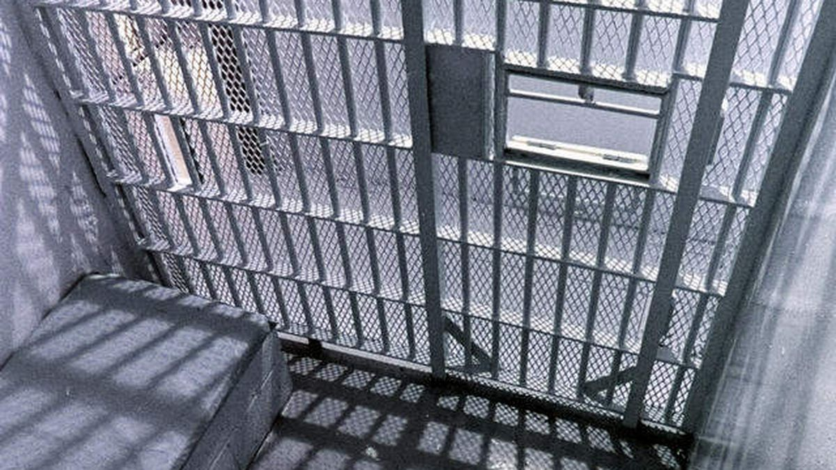 Low pay contributes to staffing problems at Mississippi prisons