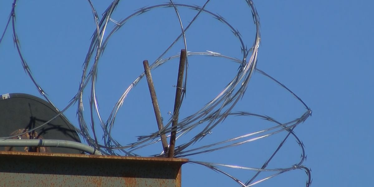Mississippi using inmate labor to make repairs at prison