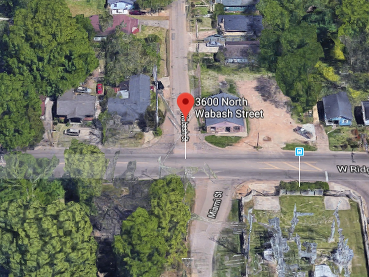Suspect at large after shooting ex-boyfriend, leaving Jackson man in critical condition
