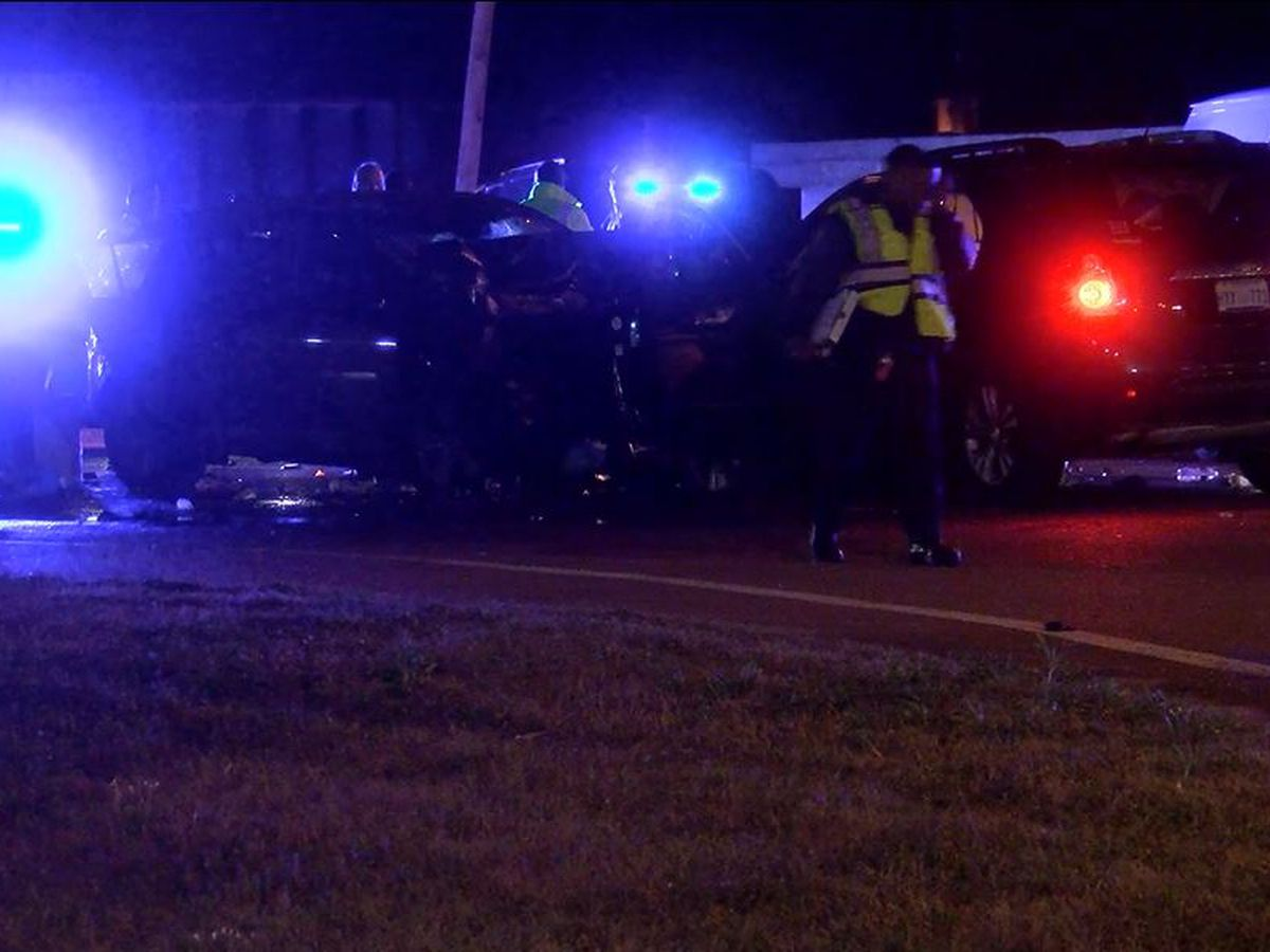 1 killed, 2 injured in wreck on Highway 80W in Jackson