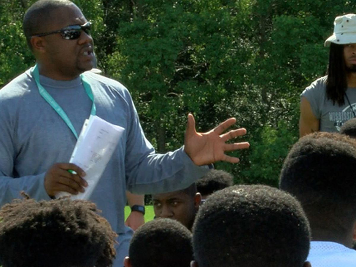 Ryan Earnest stepping down as head coach, athletic director at Ridgeland High School
