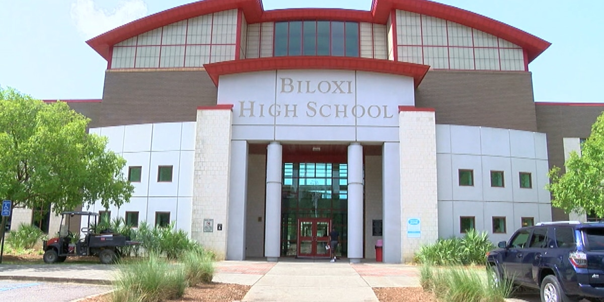 185 students, teachers at Biloxi High in quarantine after 11 test positive