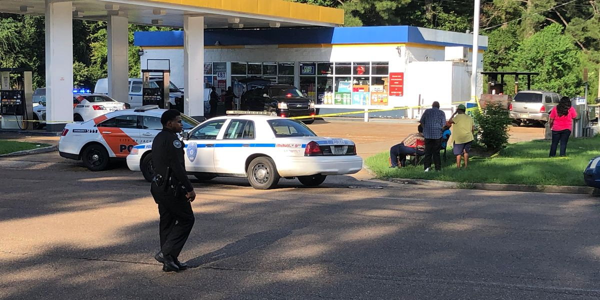 Man shot, killed during fight at Jackson gas station