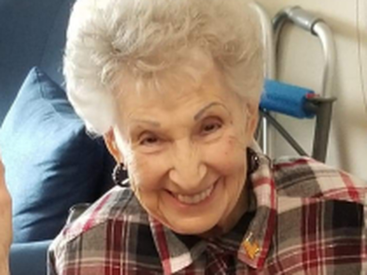 Tucson woman turns 100, celebrates at Taco Bell