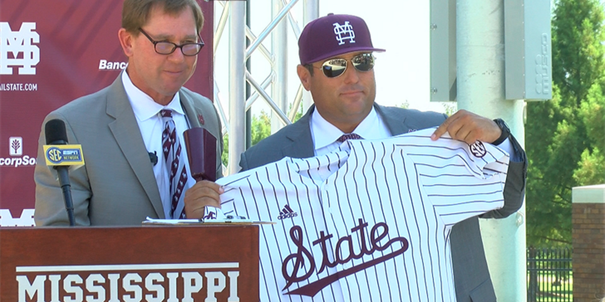 Chris Lemonis receives warm welcome Tuesday at Mississippi State