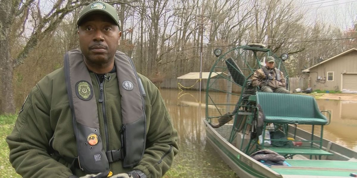 MDWFP Special Response Team using an airboat to help Jacksonians escape flood waters