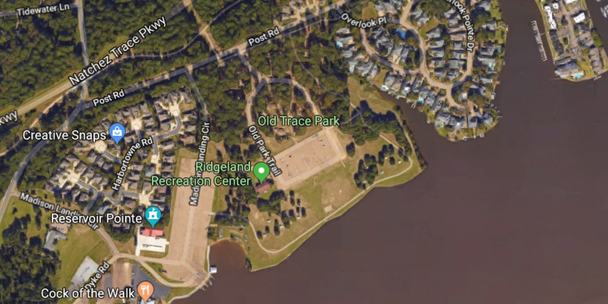 Police, divers searching for possible drowning victim at Old Trace Park in Ridgeland