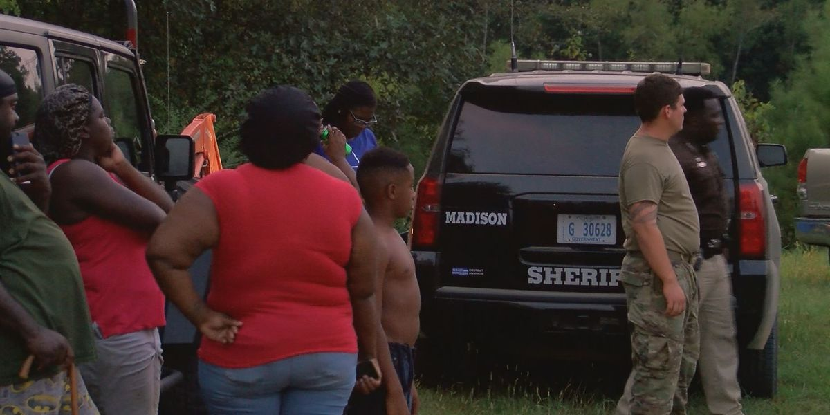 'We knew it was a recovery instead of a rescue': Diver describes scene after 3 drown in Madison Co. pond