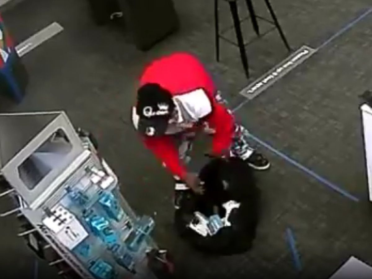 Man wanted for burglarizing Jackson cell phone store