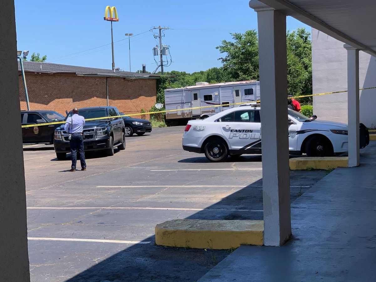 Hotel cleaning crew finds woman dead, bloodied in Canton
