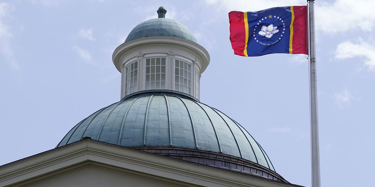 Miss. House votes to approve new state flag