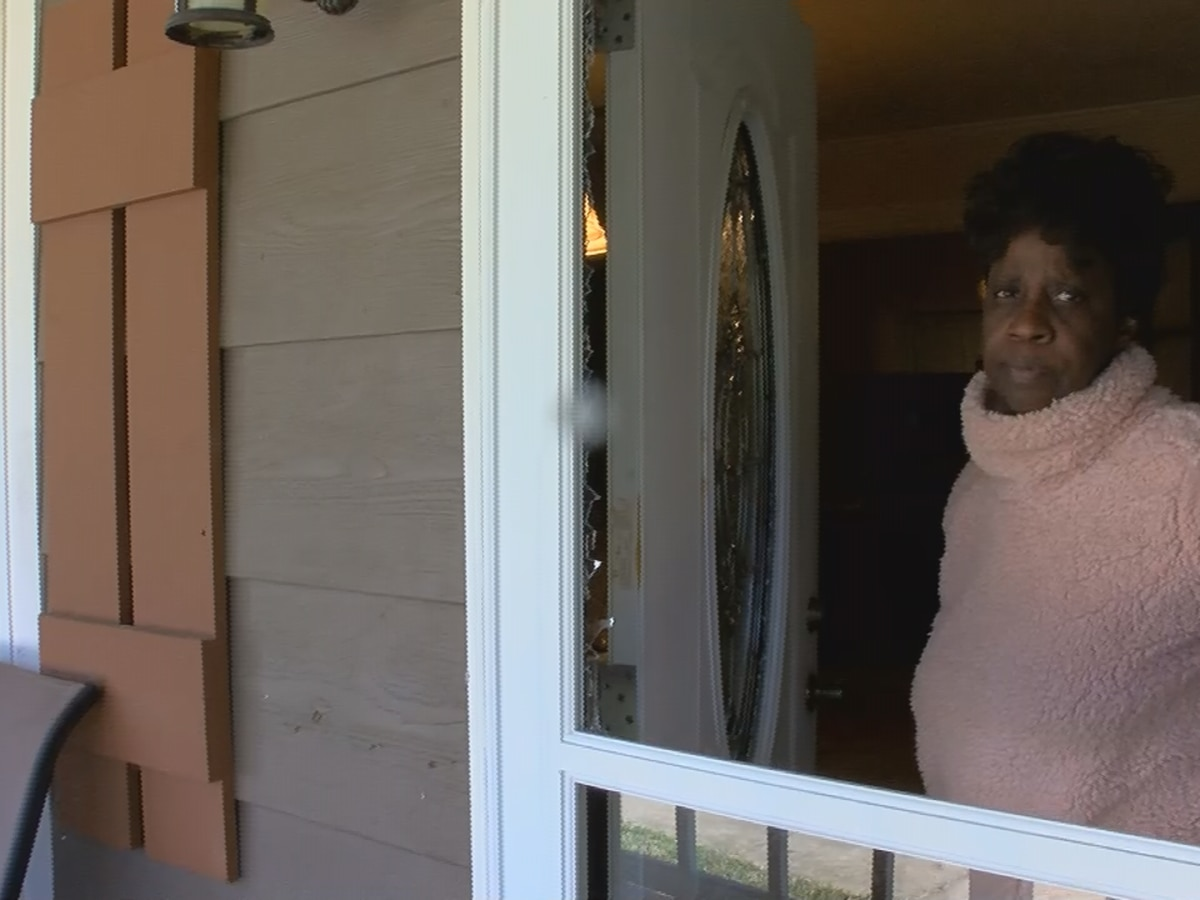 Jackson couple awaken to find man holding baby breaking through their front door