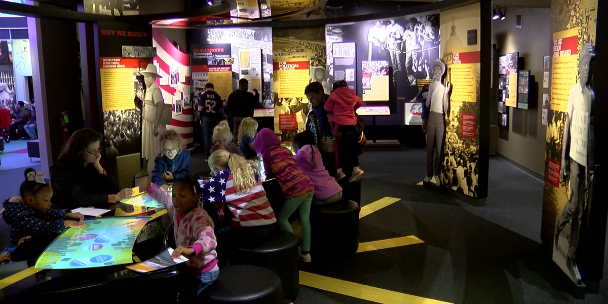 Visitors take in museums for free in honor of MLK Day