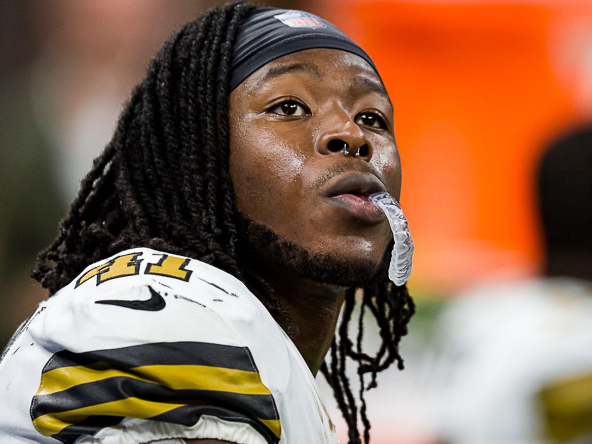 Alvin Kamara questionable for Sunday's game against Jacksonville