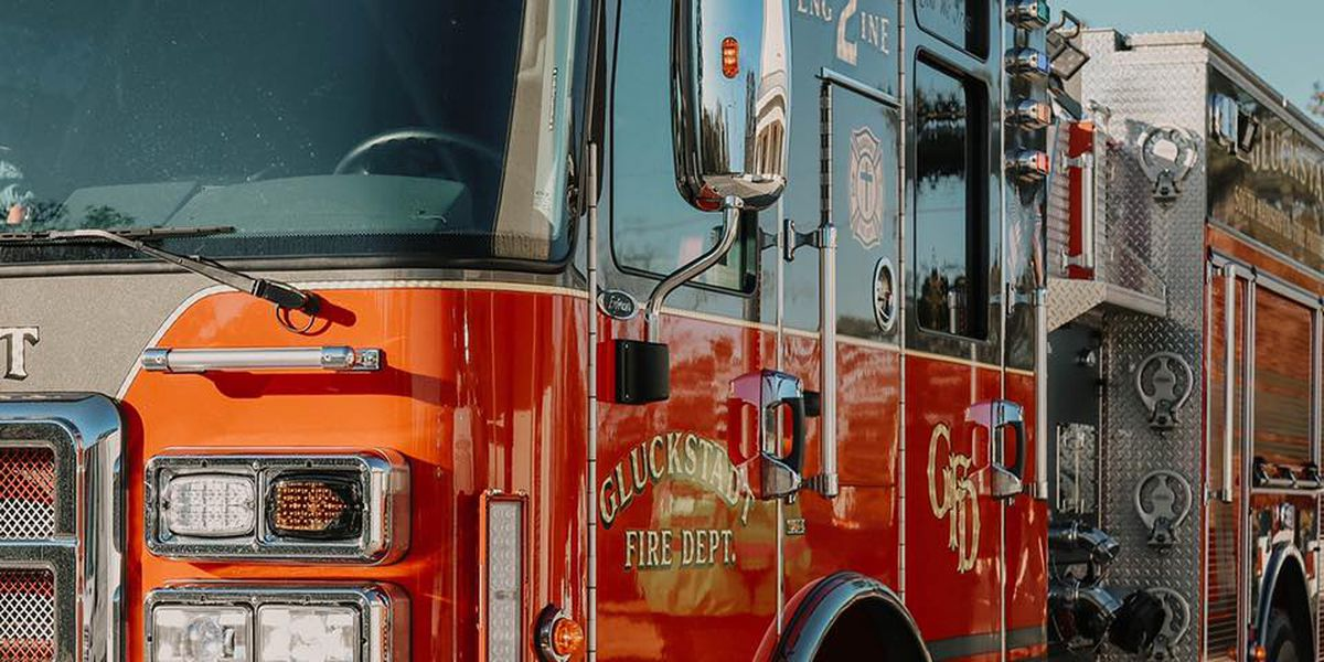 Gluckstadt fire department surprises young boy for his birthday