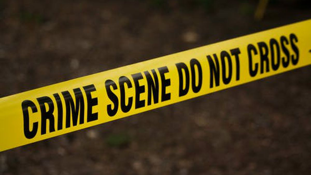 JPD investigating after man, woman arrive at hospital with gunshot wounds