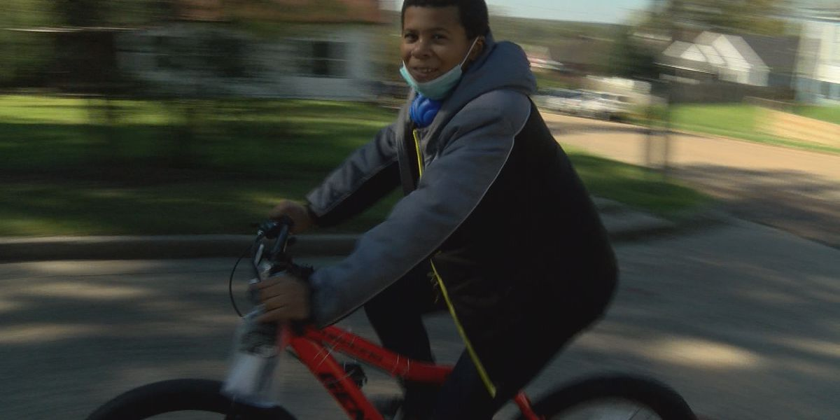 Child's bike is robbed at gunpoint; Vicksburg community helps to get him a new one