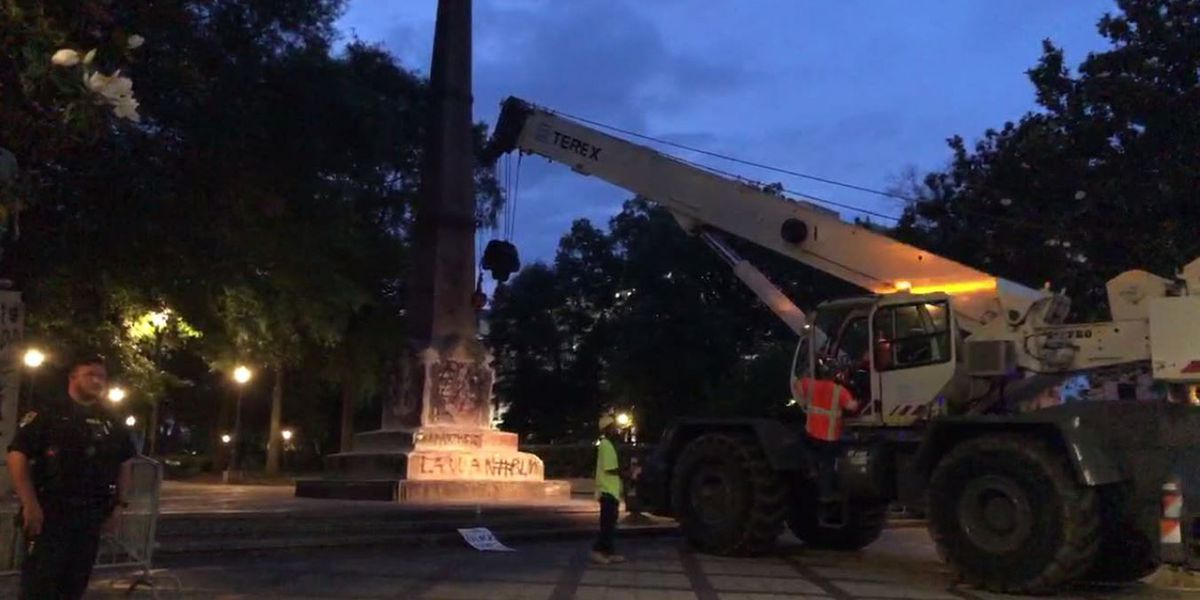 Crews remove Confederate monument in Birmingham's Linn Park, location not disclosed