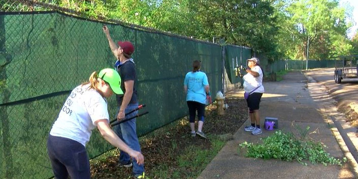 Volunteers help with landscaping at Jackson Zoo, anxious about reopening