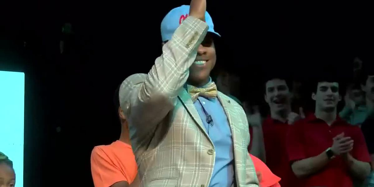 Jerrion Ealy throws the Landshark after signing with Ole Miss