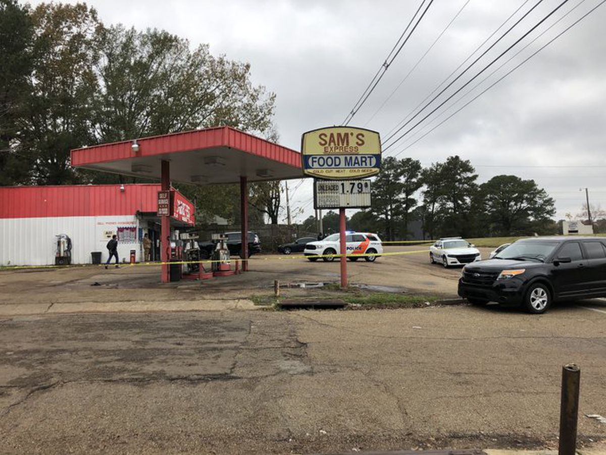 Gunshot victim dies at convenience store in Jackson